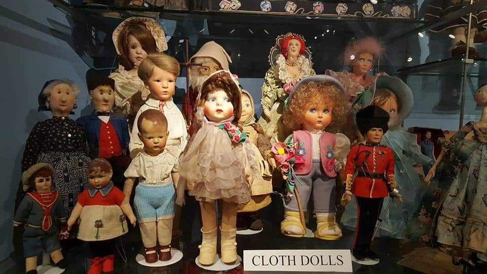 Susan Quinlan Doll and Teddy Bear Museum and Library