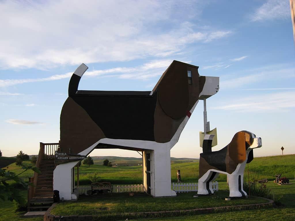 Dog Bark Park Inn – Cottonwood, Idaho