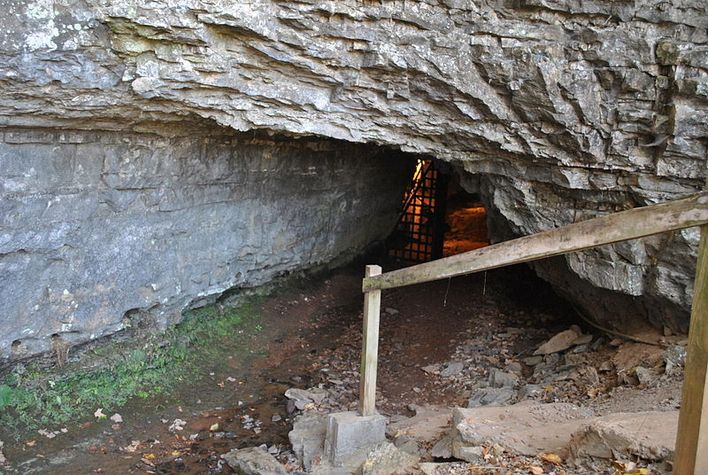 Bell Witch Cave, Adams, Tennessee