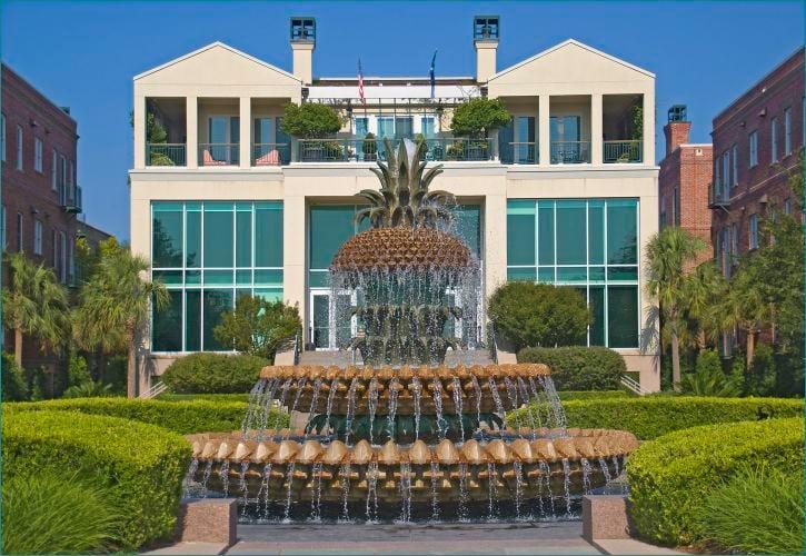Pineapple Fountain – Charleston, South Carolina