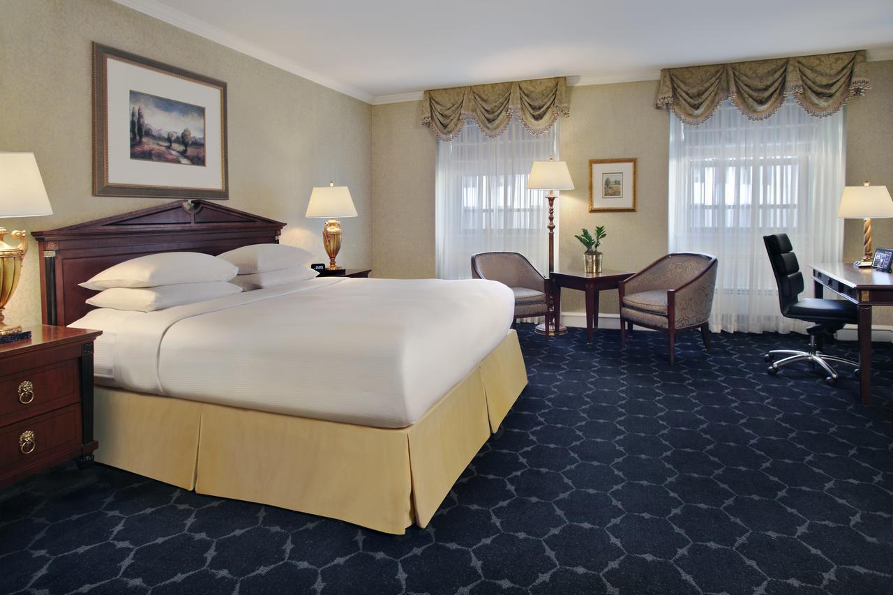 The Drake Hotel (Mid-Range)