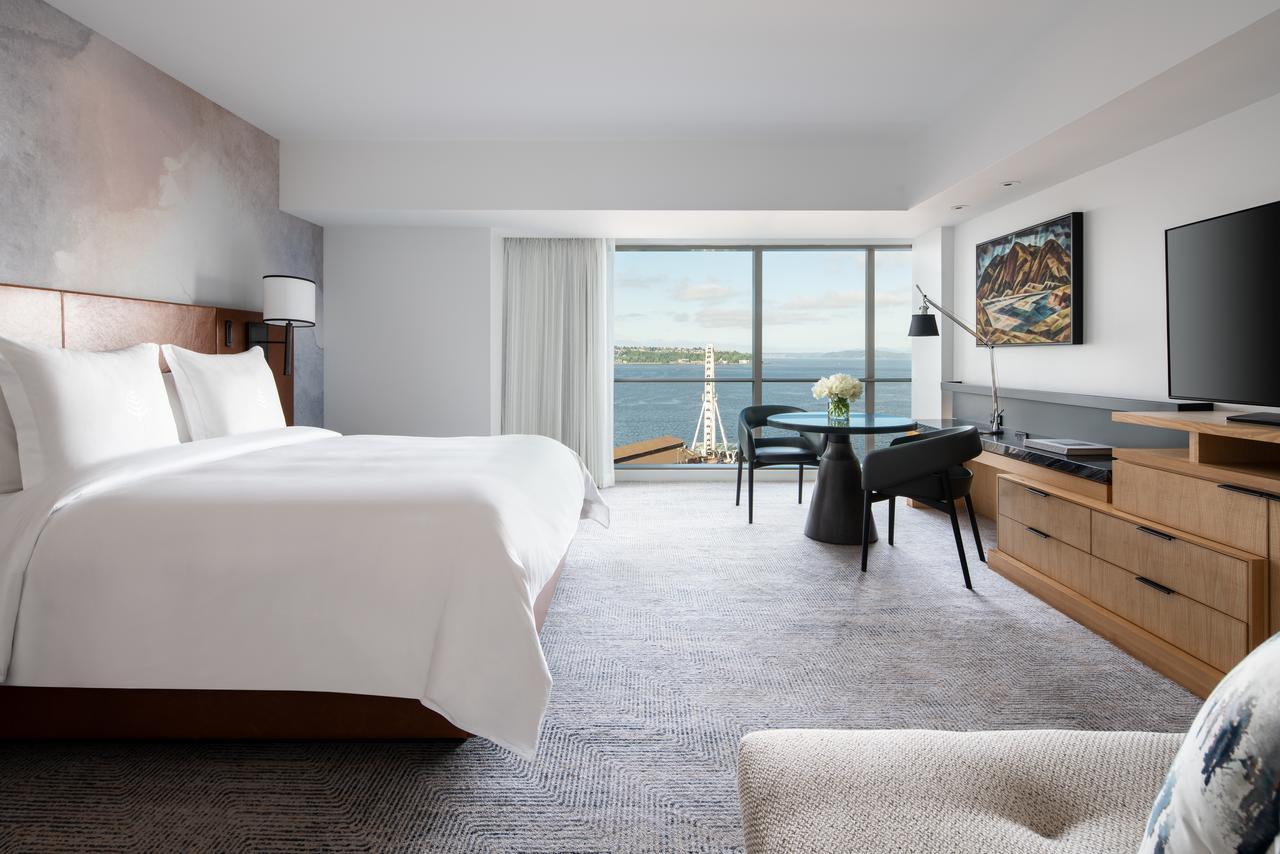 Four Seasons Hotel Seattle (Luxury)
