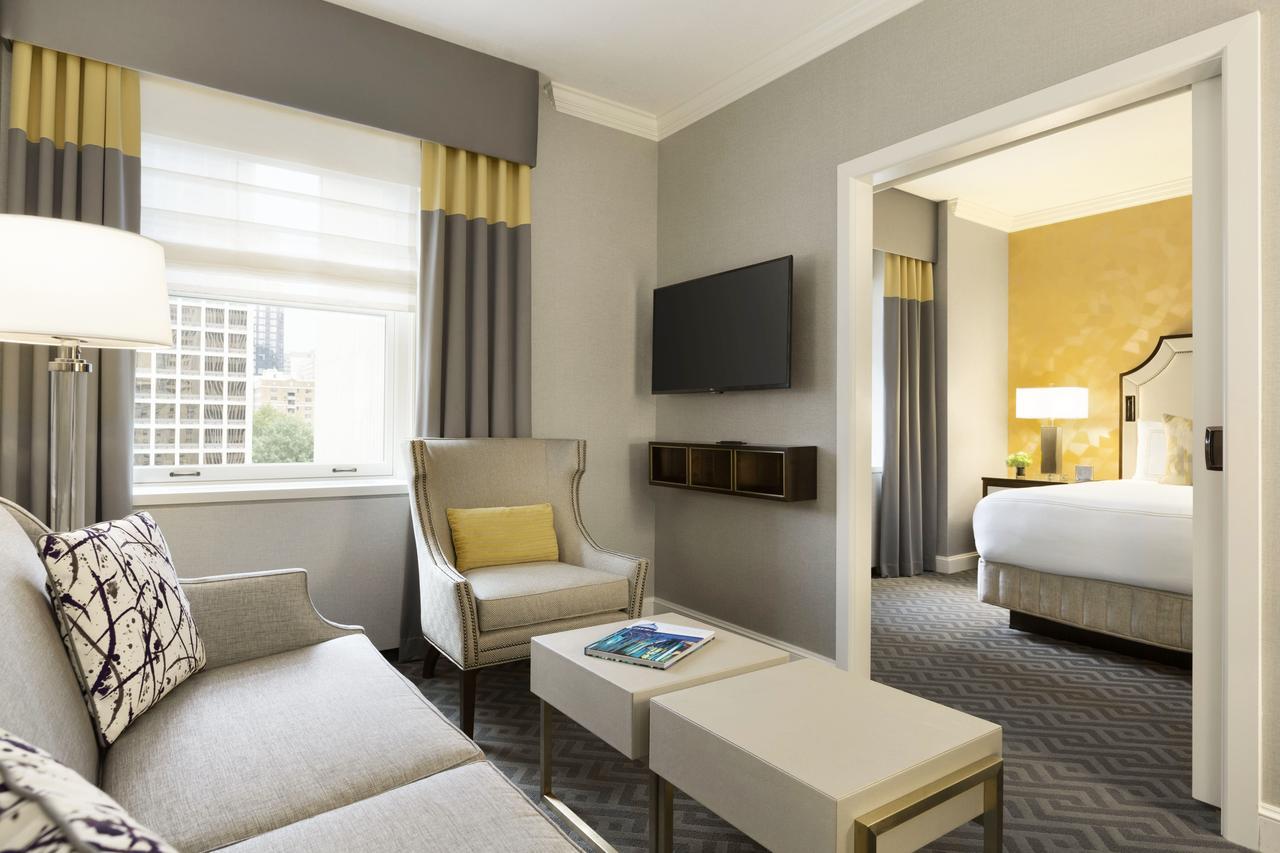 Fairmont Olympic Hotel (Luxury)