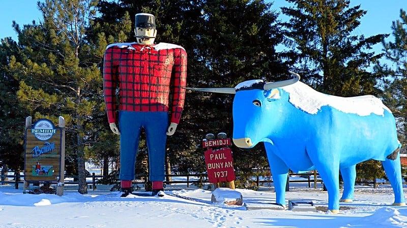 Paul Bunyan & Babe the Blue Ox Statues
