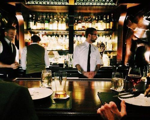 Top 10 Cozy Pubs & Bars in America