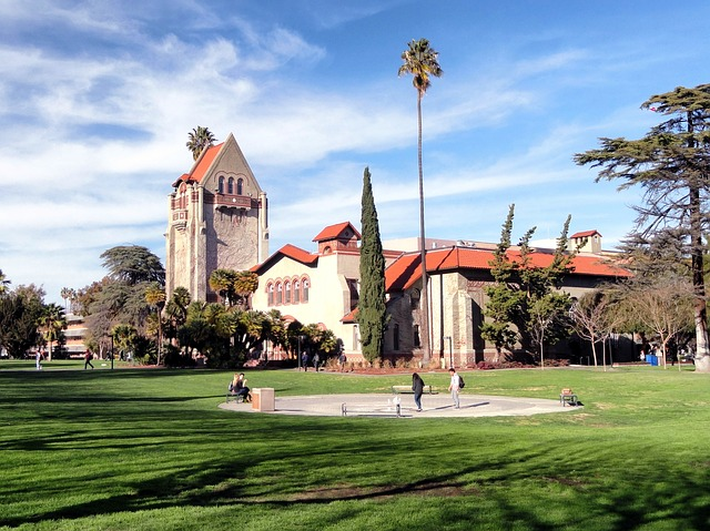 10 of the America's Coolest College Towns