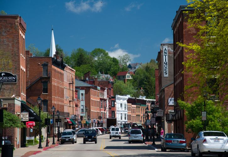 10 Most Beautiful Small Towns in Illinois