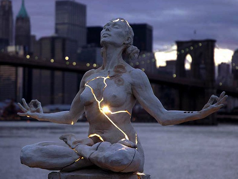 15 Most Bizarre Public Monuments & Sculptures in the United States