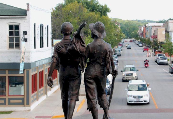 10 Most Beautiful Small Towns in Missouri