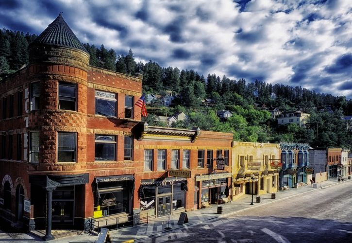 10 Most Beautiful Small Towns in South Dakota