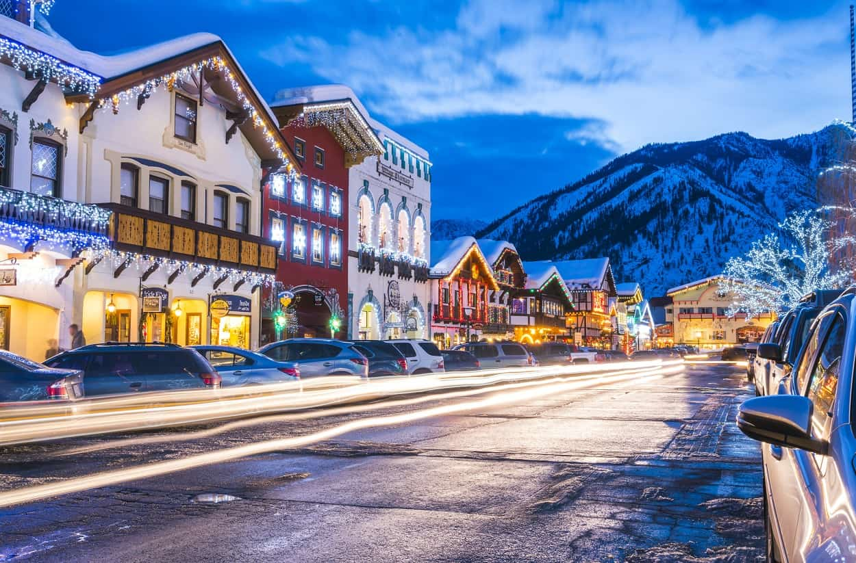 30 Best Christmas Towns in the USA to Add to Your Holiday Bucket List